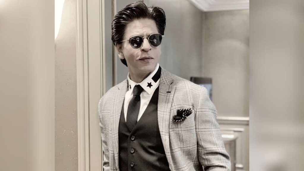 Shahrukh Khan Photo(images), Wife, Age, Son, Net Worth, Height, Daughter, Birth Date, Family, Biography, Children, Hairstyle, Education, Awards, Details, Instagram, Wiki. Twitter, Facebook, Im ( (35)