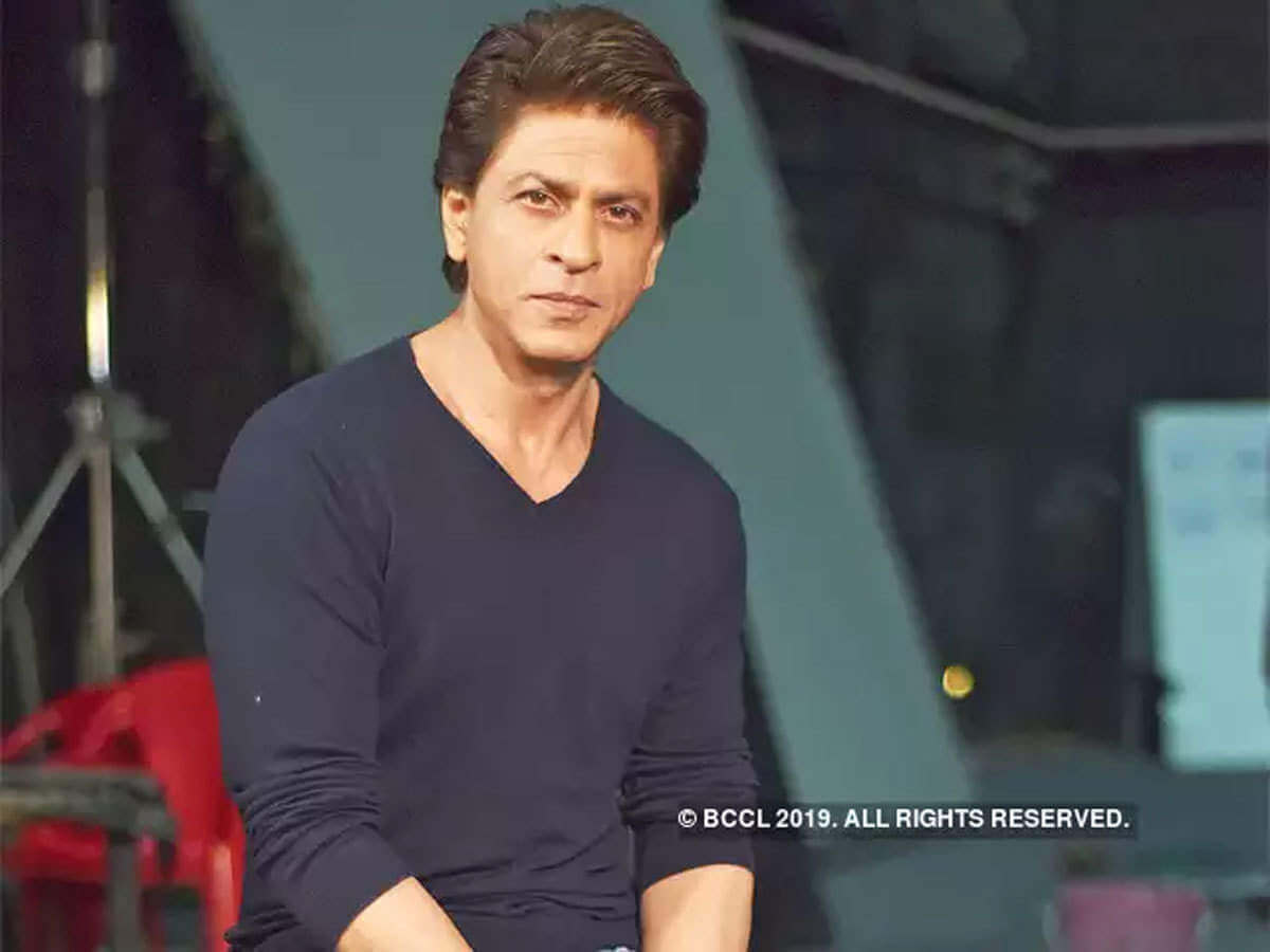 Shahrukh Khan Photo(images), Wife, Age, Son, Net Worth, Height, Daughter, Birth Date, Family, Biography, Children, Hairstyle, Education, Awards, Details, Instagram, Wiki. Twitter, Facebook, Im ( (36)