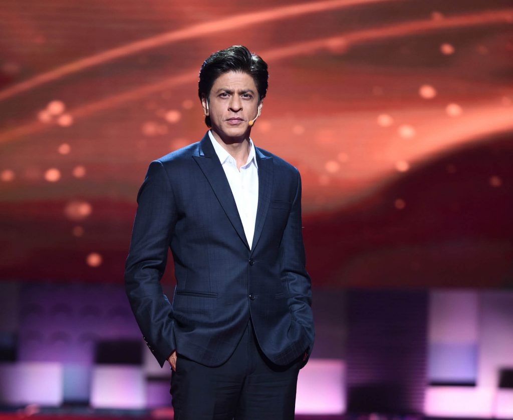 Shahrukh Khan Photo(images), Wife, Age, Son, Net Worth, Height, Daughter, Birth Date, Family, Biography, Children, Hairstyle, Education, Awards, Details, Instagram, Wiki. Twitter, Facebook, Im ( (52)