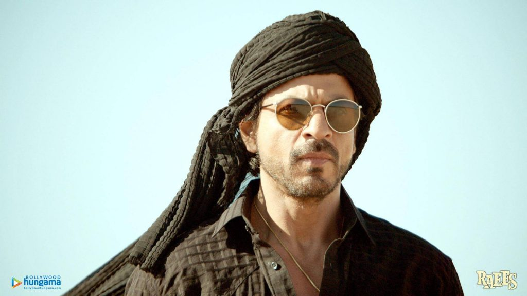 Shahrukh Khan Photo(images), Wife, Age, Son, Net Worth, Height, Daughter, Birth Date, Family, Biography, Children, Hairstyle, Education, Awards, Details, Instagram, Wiki. Twitter, Facebook, Im ( (56)