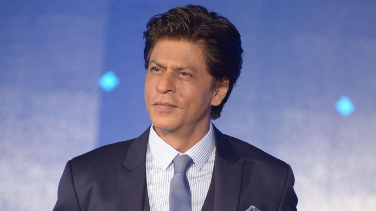 Shahrukh Khan photo(images), wife, age, son, net worth, height, daughter, birth date, family, biography, children, hairstyle, education, awards, details, instagram, wiki. twitter, facebook, imdb, youtube