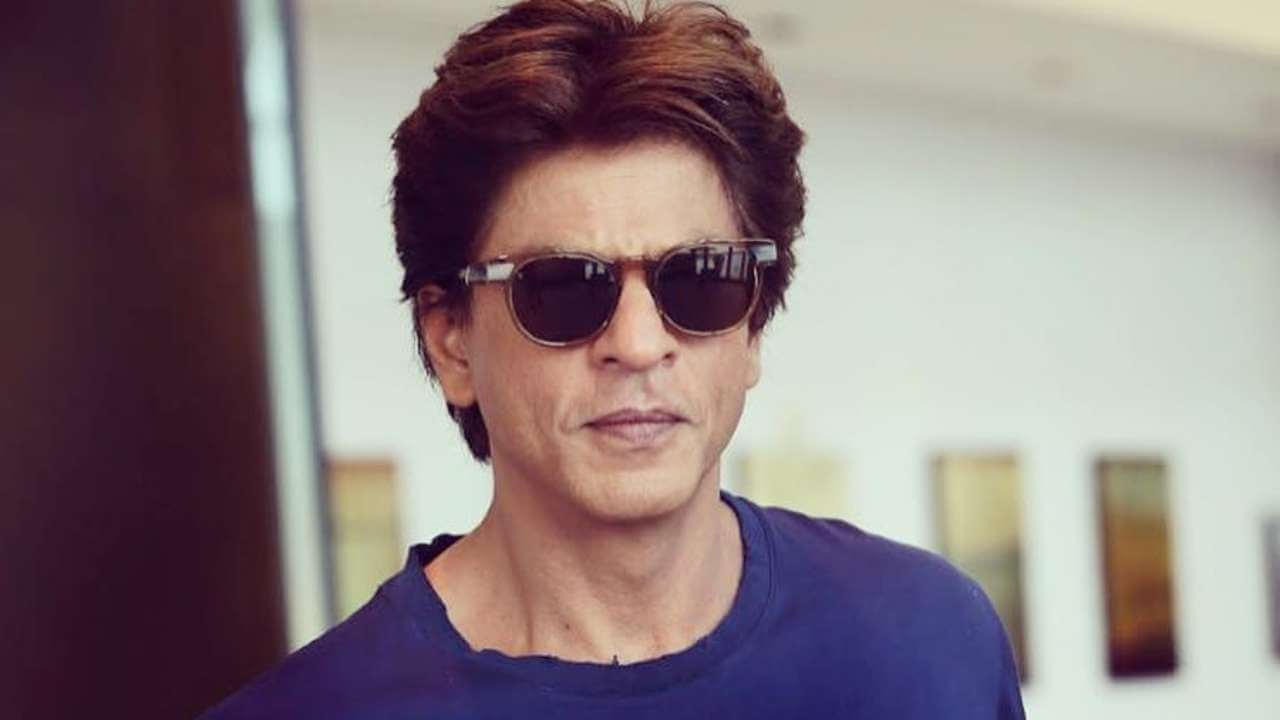 Shahrukh Khan Photo(images), Wife, Age, Son, Net Worth, Height, Daughter, Birth Date, Family, Biography, Children, Hairstyle, Education, Awards, Details, Instagram, Wiki. Twitter, Facebook, Im ( (81)