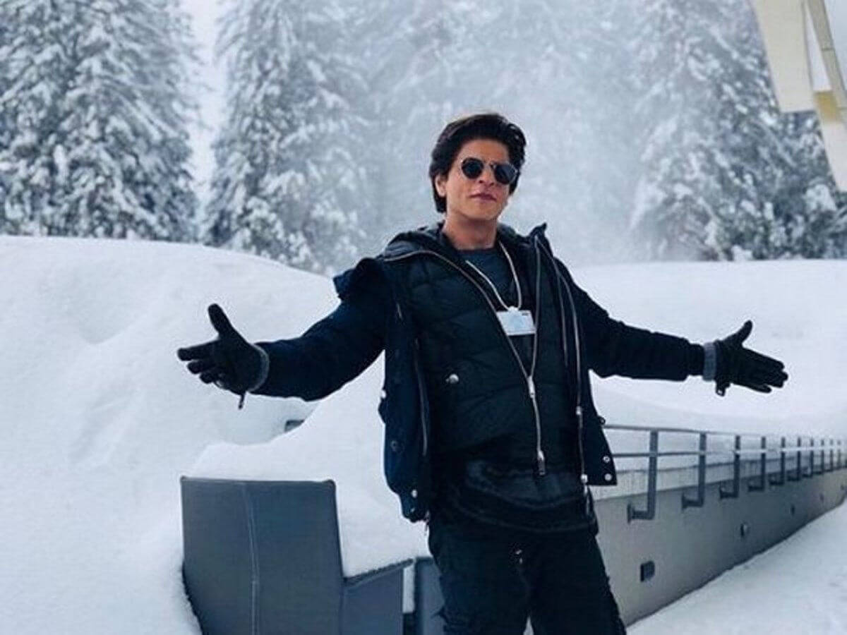 Shahrukh Khan Photo(images), Wife, Age, Son, Net Worth, Height, Daughter, Birth Date, Family, Biography, Children, Hairstyle, Education, Awards, Details, Instagram, Wiki. Twitter, Facebook, Im ( (87)