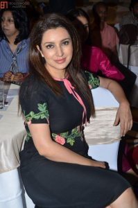 Tisca Chopra Husband, Daughter, Family, Age, Height, Biography, Date Of Birth, Marriage, Net Worth, Instagram, Twitter, Facebook, Image(photos), Wiki, Imdb (33)
