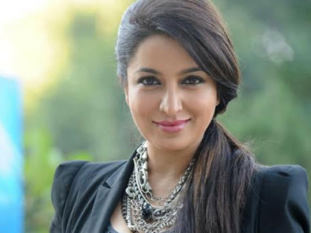 Tisca Chopra Husband, Daughter, Family, Age, Height, Biography, Date Of Birth, Marriage, Net Worth, Instagram, Twitter, Facebook, Image(photos), Wiki, Imdb (35)
