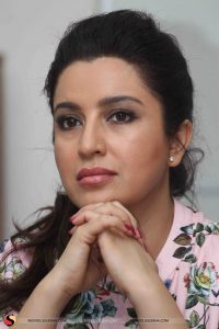 Tisca Chopra Husband, Daughter, Family, Age, Height, Biography, Date Of Birth, Marriage, Net Worth, Instagram, Twitter, Facebook, Image(photos), Wiki, Imdb (48)