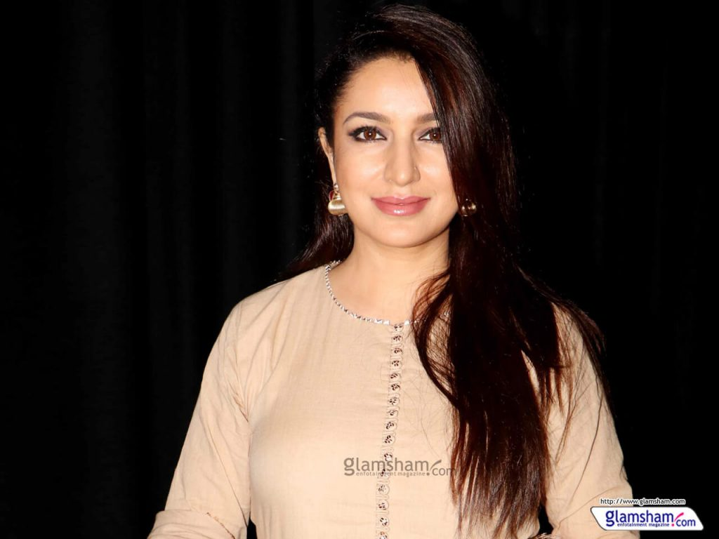 Tisca Chopra Husband, Daughter, Family, Age, Height, Biography, Date Of Birth, Marriage, Net Worth, Instagram, Twitter, Facebook, Image(photos), Wiki, Imdb (57)