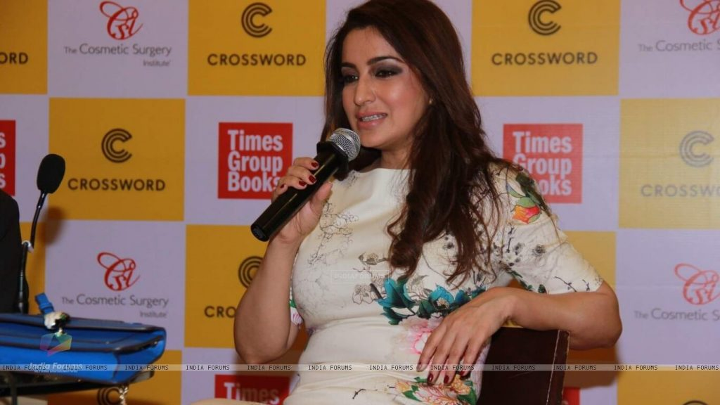 Tisca Chopra Husband, Daughter, Family, Age, Height, Biography, Date Of Birth, Marriage, Net Worth, Instagram, Twitter, Facebook, Image(photos), Wiki, Imdb (6)