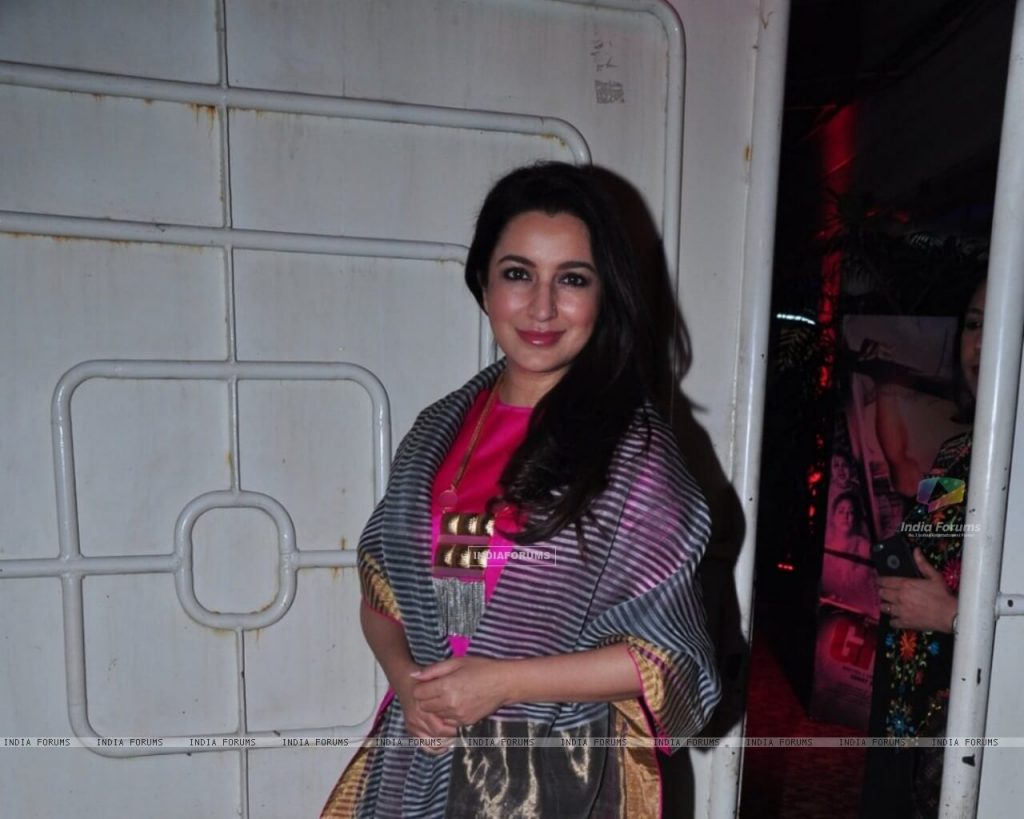 Tisca Chopra Husband, Daughter, Family, Age, Height, Biography, Date Of Birth, Marriage, Net Worth, Instagram, Twitter, Facebook, Image(photos), Wiki, Imdb (7)