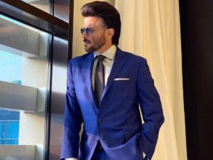 Anil Kapoor Wife, Son, Age, Family, Daughter, Date Of Birth, Net Worth, Children, Biography, Photo, Height, Marriage, Education, Awards, Instagram, Twitter, Wiki, Imdb, Facebook, Website (18)