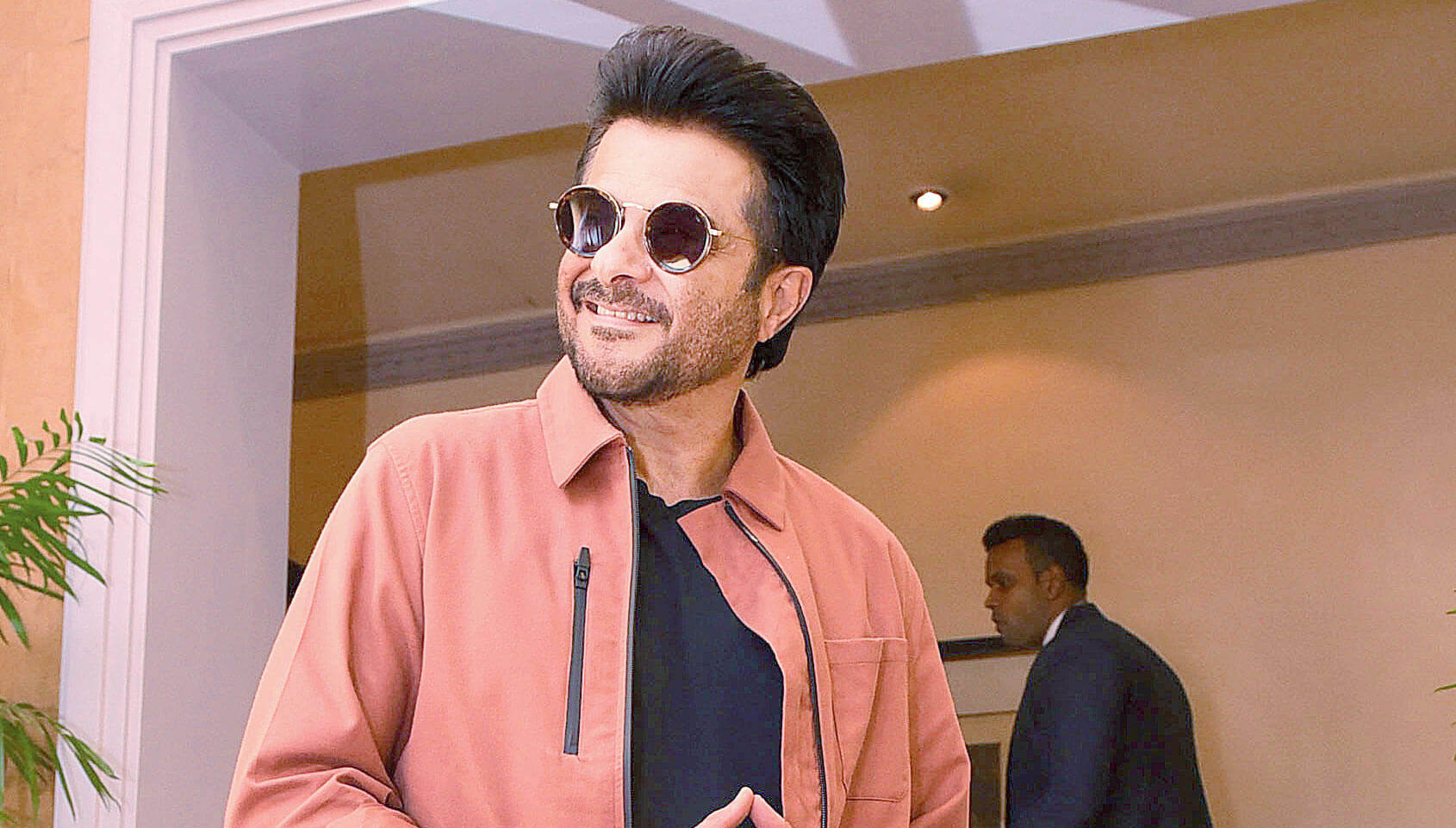 Anil Kapoor Wife, Son, Age, Family, Daughter, Date Of Birth, Net Worth, Children, Biography, Photo, Height, Marriage, Education, Awards, Instagram, Twitter, Wiki, Imdb, Facebook, Website (3)