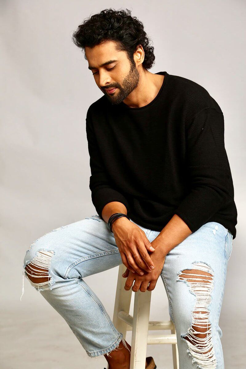 Jackky Bhagnani Age, Movie, Wife, Height, Father, Biography, Birthday, Net Worth, Education, Image(photos), Hairstyle, Details, Instagram, Twitter, Wiki, Facebook, Imdb (4) (1)