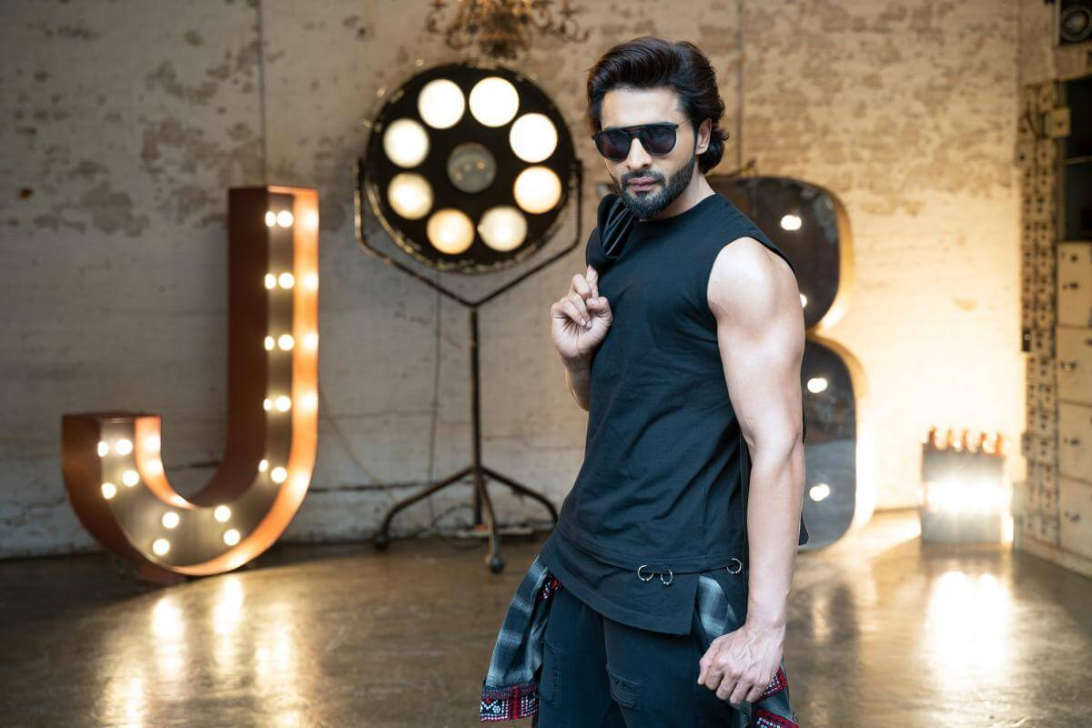 Jackky Bhagnani Age, Movie, Wife, Height, Father, Biography, Birthday, Net Worth, Education, Image(photos), Hairstyle, Details, Instagram, Twitter, Wiki, Facebook, Imdb (5) (1)