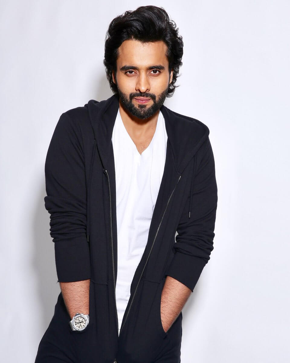 Jackky Bhagnani Age, Movie, Wife, Height, Father, Biography, Birthday, Net Worth, Education, Image(photos), Hairstyle, Details, Instagram, Twitter, Wiki, Facebook, Imdb (7) (1)