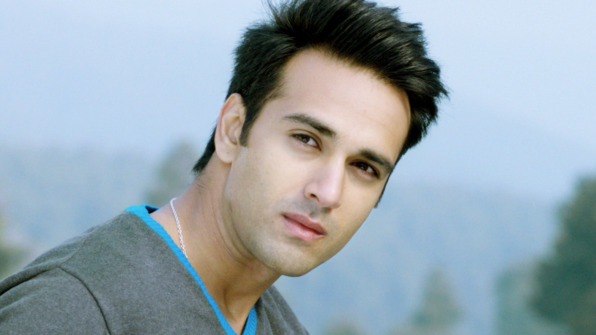 Pulkit Samrat Wife, Movies, Age, Height, Images(photo), Biography, Hairstyle, Girlfriend, Family, Married, Net Worth, Education, Wiki, Twitter, Instagram, Facebook, Imdb (28)