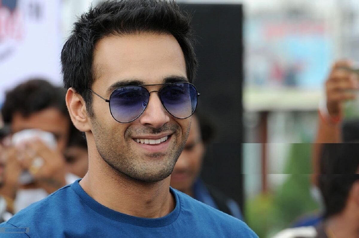 Pulkit Samrat Wife, Movies, Age, Height, Images(photo), Biography, Hairstyle, Girlfriend, Family, Married, Net Worth, Education, Wiki, Twitter, Instagram, Facebook, Imdb (31) class=