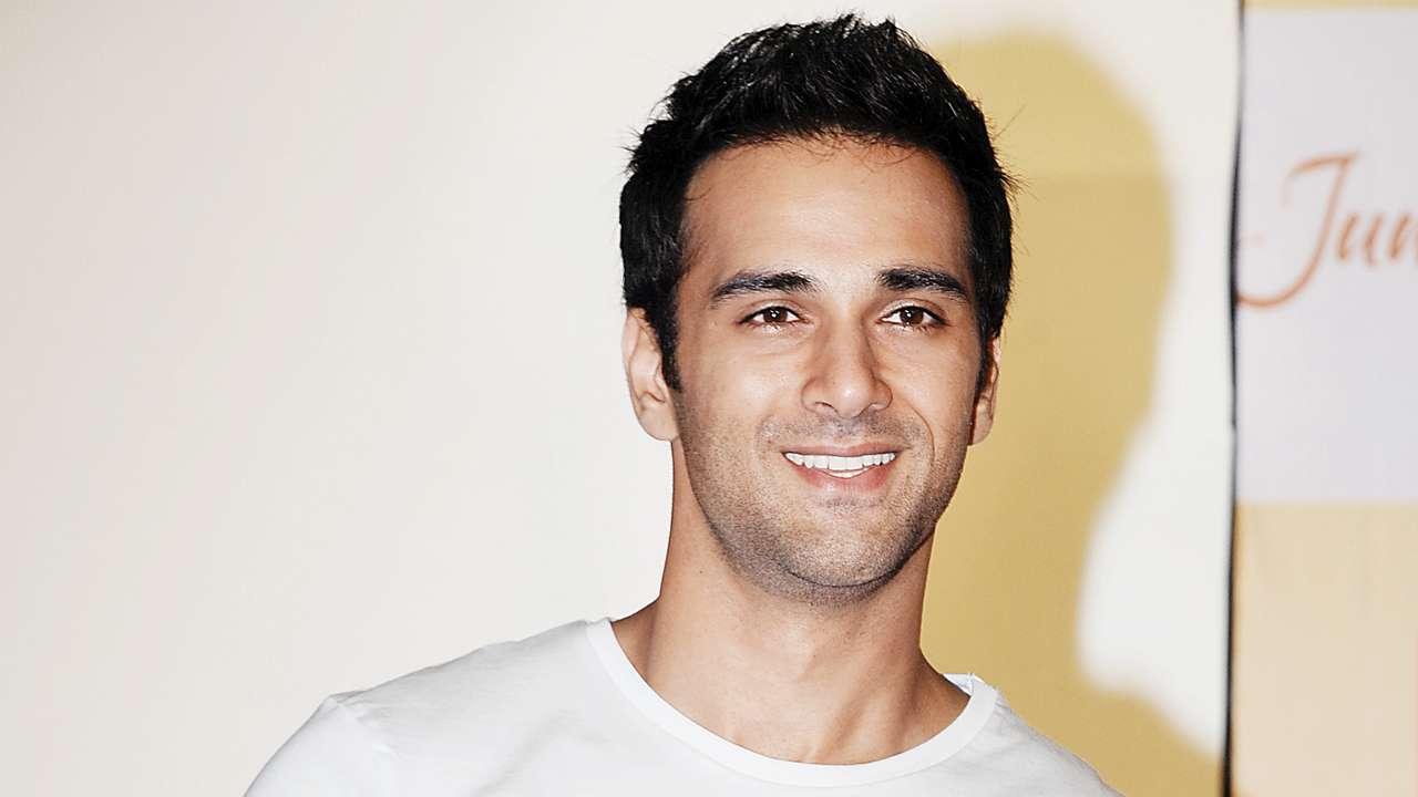 Pulkit Samrat Wife, Movies, Age, Height, Images(photo), Biography, Hairstyle, Girlfriend, Family, Married, Net Worth, Education, Wiki, Twitter, Instagram, Facebook, Imdb (5)