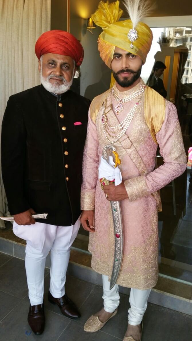 Ravindra Jadeja Wife, Age, Height, Biography, Date Of Birth, Father, Photo(image), Daughter, Beard, Marriage, Net Worth, Information, House, Wiki, Instagram, Twitter, Facebook, Imdb, Award (1