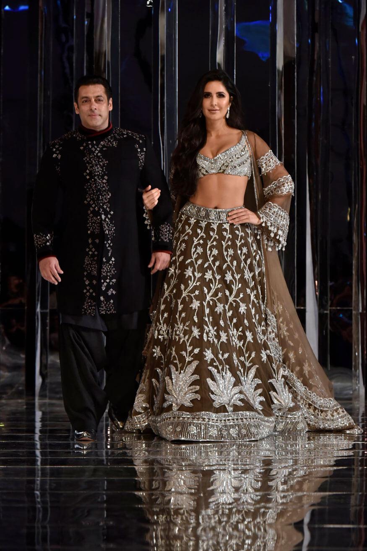 Salman Khan Photo, Age, News, Birthday, Height, Sister, Biography, Girlfriend, Awards, Address, Song, Video, Net Worth, Education, Twitter, Instagram, Facebook, Wiki, Imdb, Website, Youtube (14)