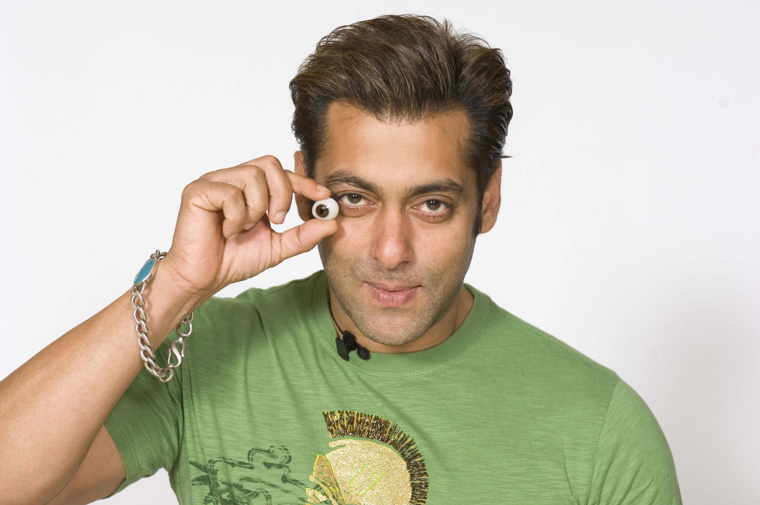 Salman Khan Photo, Age, News, Birthday, Height, Sister, Biography, Girlfriend, Awards, Address, Song, Video, Net Worth, Education, Twitter, Instagram, Facebook, Wiki, Imdb, Website, Youtube (2)
