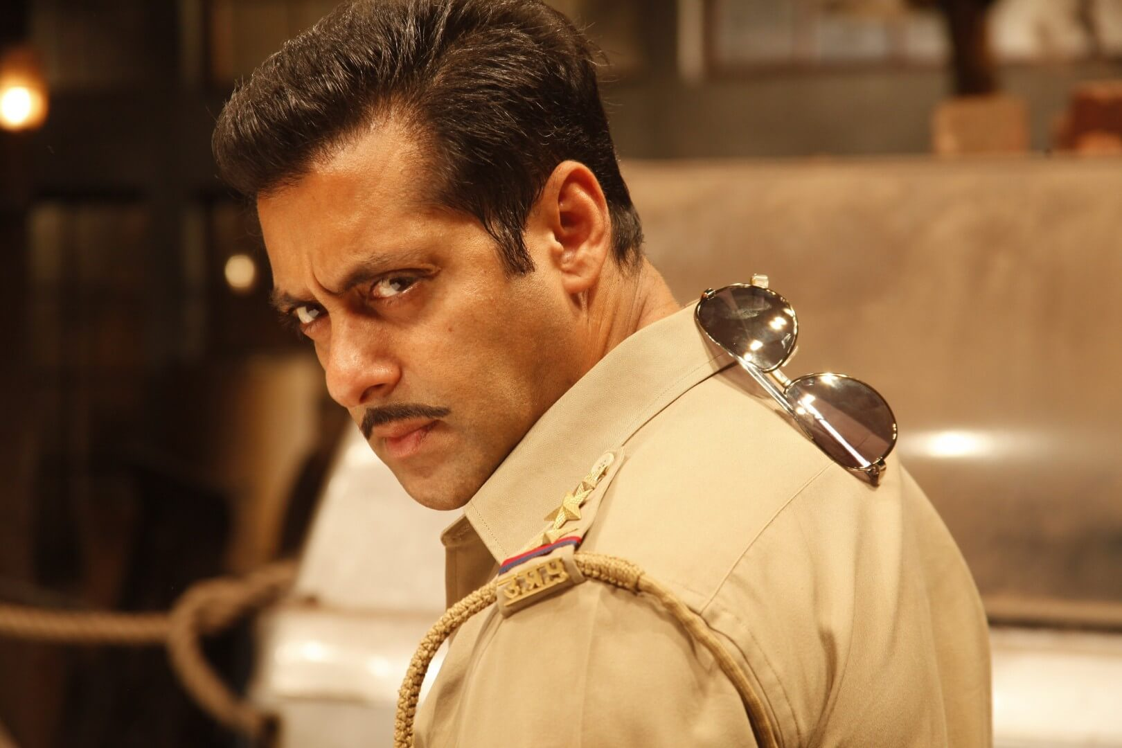 Salman Khan Photo, Age, News, Birthday, Height, Sister, Biography, Girlfriend, Awards, Address, Song, Video, Net Worth, Education, Twitter, Instagram, Facebook, Wiki, Imdb, Website, Youtube (28)