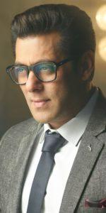 Salman Khan Photo, Age, News, Birthday, Height, Sister, Biography, Girlfriend, Awards, Address, Song, Video, Net Worth, Education, Twitter, Instagram, Facebook, Wiki, Imdb, Website, Youtube (3)