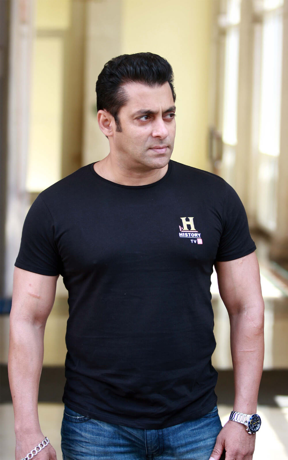 Salman Khan Photo, Age, News, Birthday, Height, Sister, Biography, Girlfriend, Awards, Address, Song, Video, Net Worth, Education, Twitter, Instagram, Facebook, Wiki, Imdb, Website, Youtube (30)