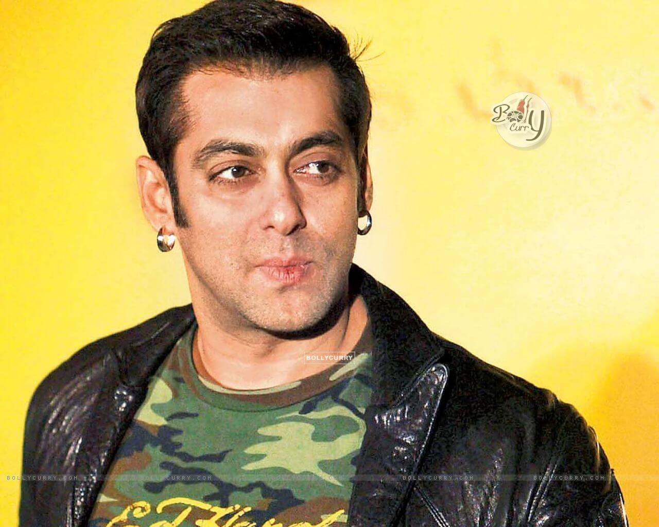 Salman Khan Photo, Age, News, Birthday, Height, Sister, Biography, Girlfriend, Awards, Address, Song, Video, Net Worth, Education, Twitter, Instagram, Facebook, Wiki, Imdb, Website, Youtube (40)