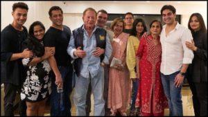 Salman Khan Photo, Age, News, Birthday, Height, Sister, Biography, Girlfriend, Awards, Address, Song, Video, Net Worth, Education, Twitter, Instagram, Facebook, Wiki, Imdb, Website, Youtube (57)