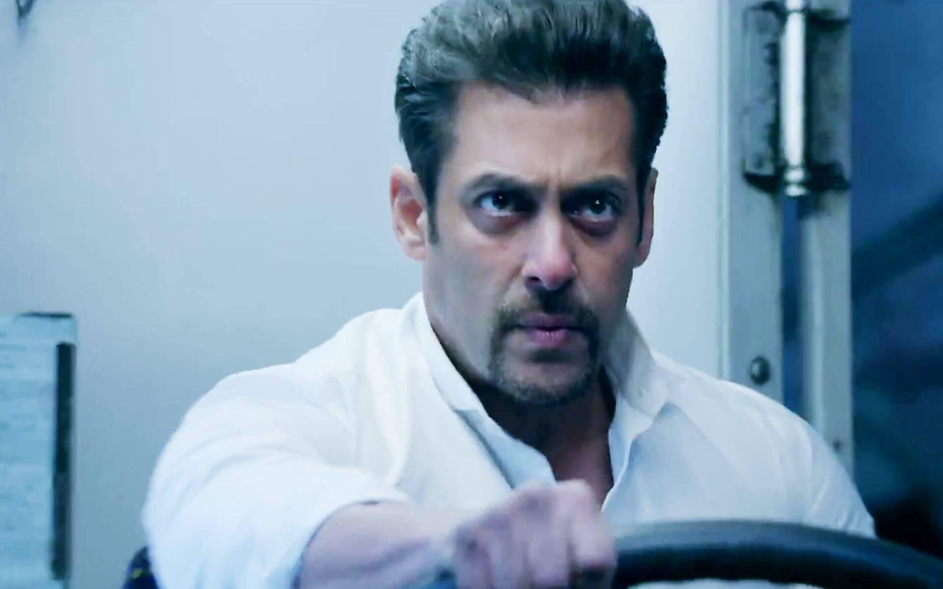 Salman Khan Photo, Age, News, Birthday, Height, Sister, Biography, Girlfriend, Awards, Address, Song, Video, Net Worth, Education, Twitter, Instagram, Facebook, Wiki, Imdb, Website, Youtube (77)