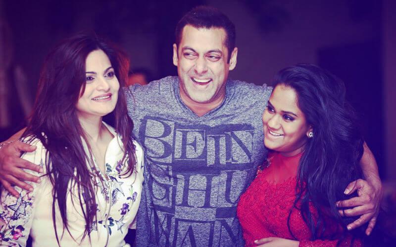 Salman Khan Photo, Age, News, Birthday, Height, Sister, Biography, Girlfriend, Awards, Address, Song, Video, Net Worth, Education, Twitter, Instagram, Facebook, Wiki, Imdb, Website, Youtube (80)