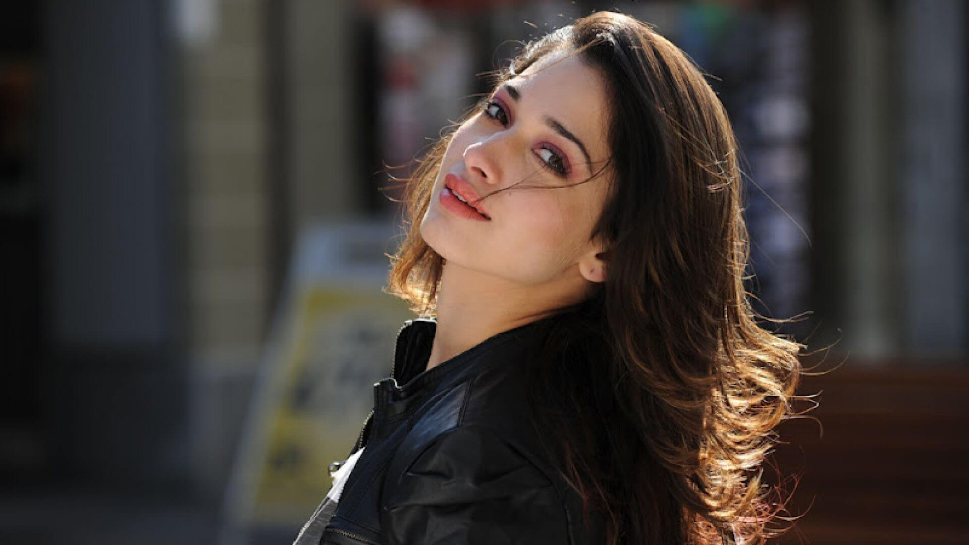 Tamannaah Bhatia Photos(images), Height, Biography, Movies, Date Of Birth, House, Details, Marriage, Boyfriend, Net Worth, Education, Instagram, Facebook, Twitter, Wiki, Imdb, Youtube (14)