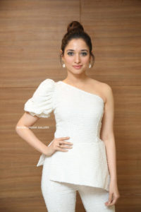 Tamannaah Bhatia Photos(images), Height, Biography, Movies, Date Of Birth, House, Details, Marriage, Boyfriend, Net Worth, Education, Instagram, Facebook, Twitter, Wiki, Imdb, Youtube (61)