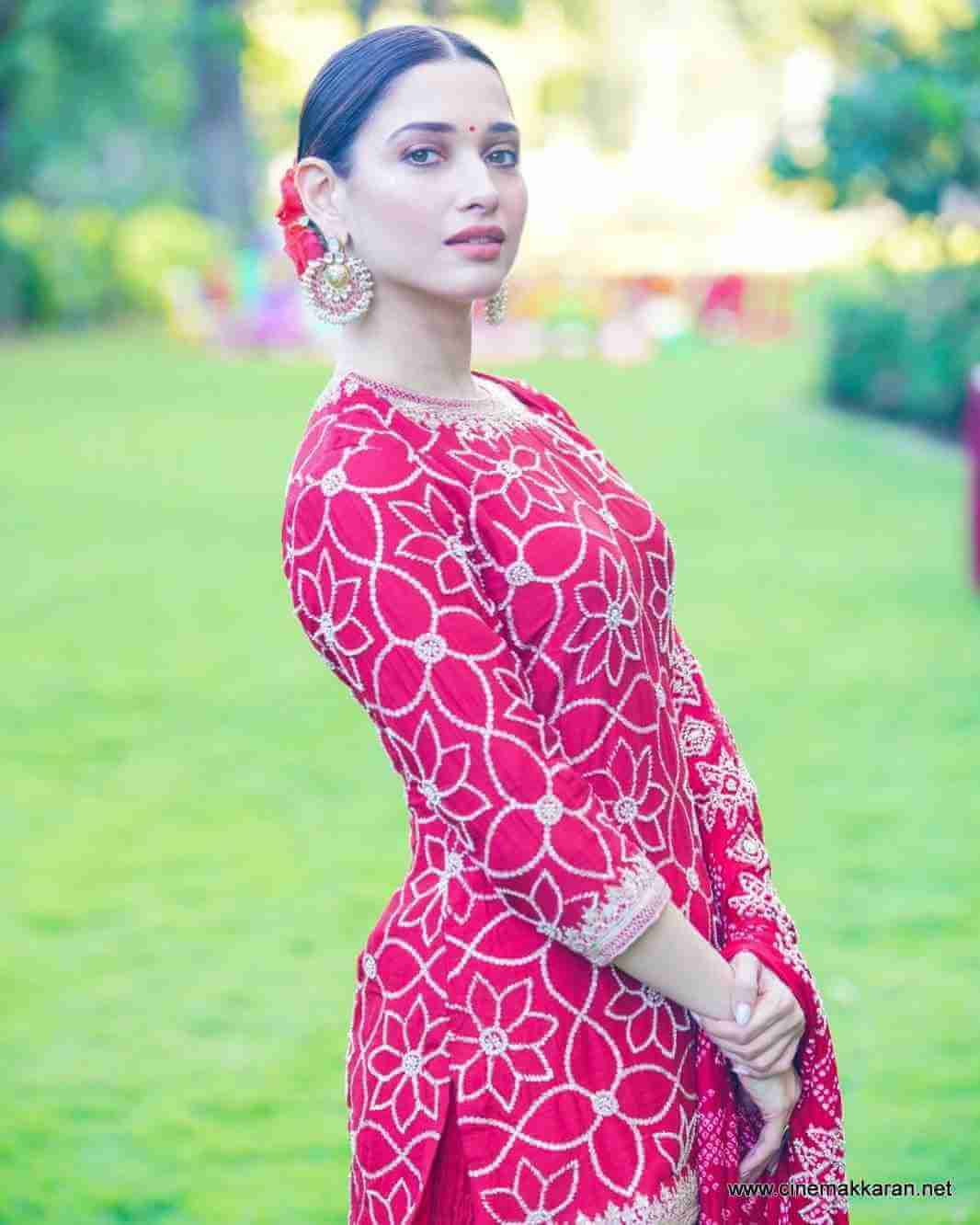 Tamannaah Bhatia Photos(images), Height, Biography, Movies, Date Of Birth, House, Details, Marriage, Boyfriend, Net Worth, Education, Instagram, Facebook, Twitter, Wiki, Imdb, Youtube (75)
