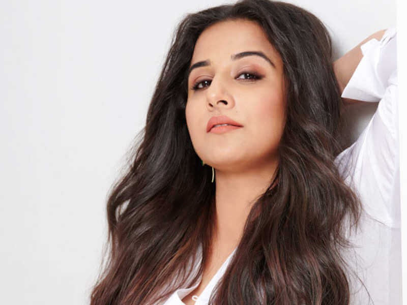 Vidya Balan Husband, Age, Child, Sister, Family, Biography, Height, Date Of Birth, Net Worth, Marriage, Wallpapers, Birthplace, Awards, Education, Details, Instagram, Wiki, Twitter, Facebook, Imdb (6) (1)