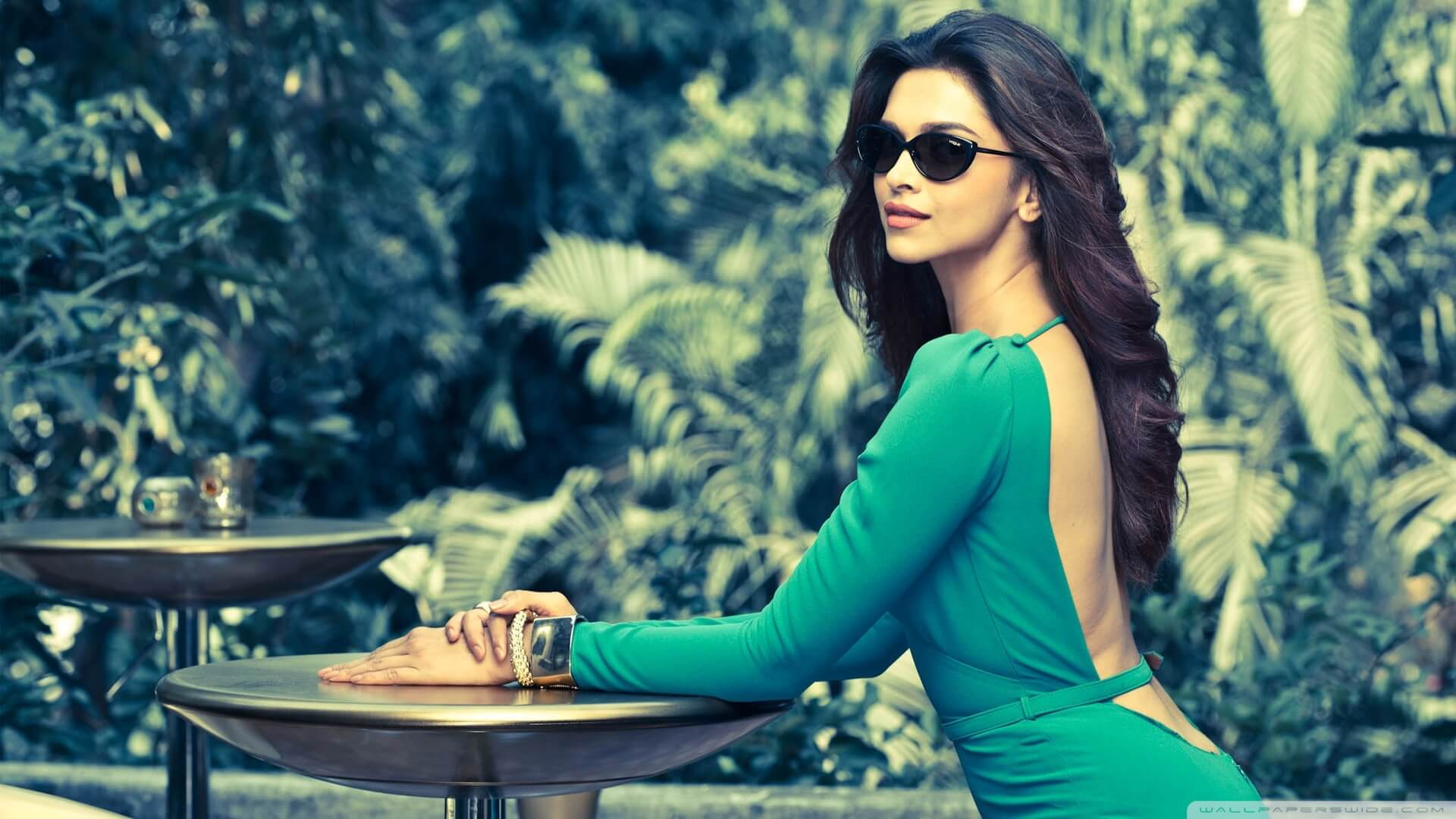 Deepika Padukone Wedding, Age, Height, Photos(images), Net Worth, Movies, Date Of Birth, Biography, Husband, Sister, Song, Family, Mother, Father, Hairstyle, Education, Awards, History, Det ( (55)