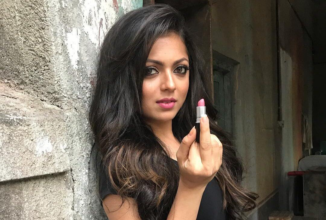 Drashti Dhami Age, Husband, Image(photos), Biography, Family, Height, Awards, Daughter, Date Of Birth, Marriage, Net Worth, Education, Twitter, Facebook, Instagram, Wiki, Imdb (36) class=
