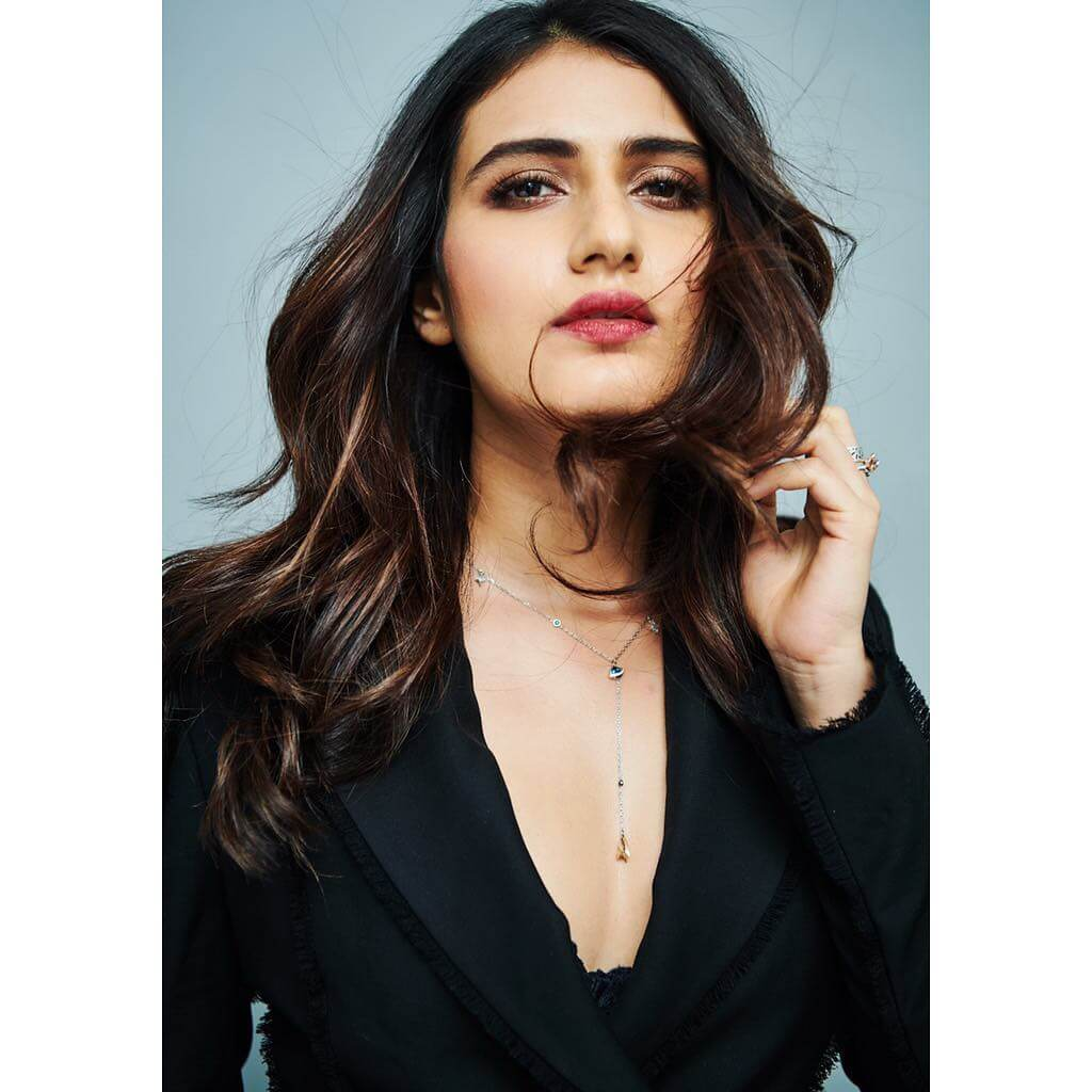 Fatima Sana Shaikh Age, Movies, Height, Biography, Husband, Image(photos), Parents, Religion, Birthday, Net Worth, Education, News, Instagram, Wiki, Facebook, Imdb, Twitter (8)