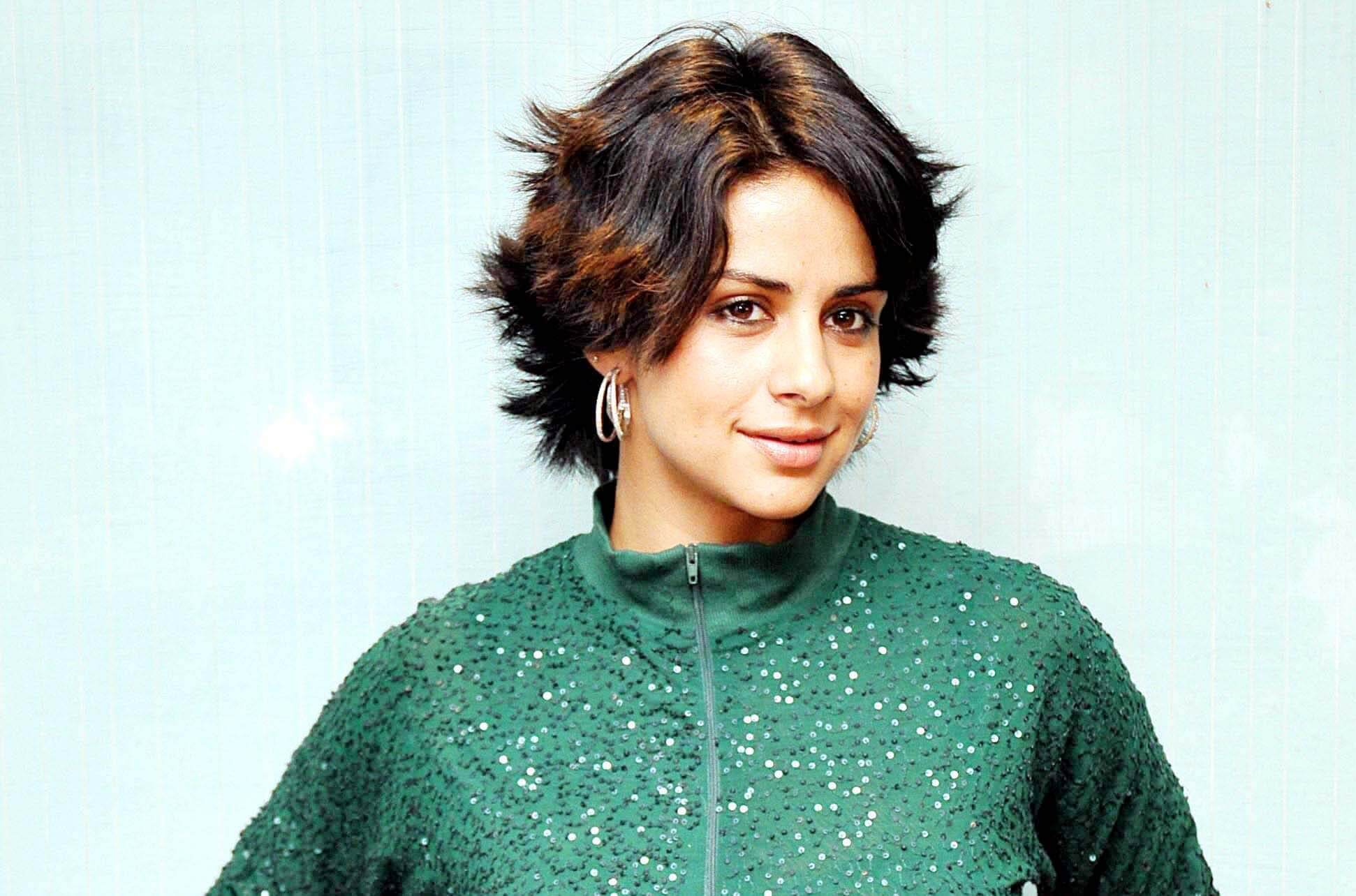 Gul Panag Age, Husband, Education, Pilot, Height, Father, Biography, Height, Son, Haircut, Images, Wedding, Family, Religion, Net Worth, Wiki, Twitter, Instagram, Facebook, Youtube, Website, Imdb (4) (1)