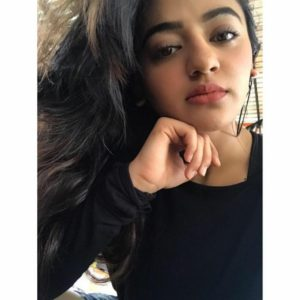 Helly Shah Age, Photos, Biography, Religion, Awards, Family, Height, Birthday, Boyfriend, Net Worth, Education, Instagram, Twitter, Facebook, Wiki, Imdb (10)