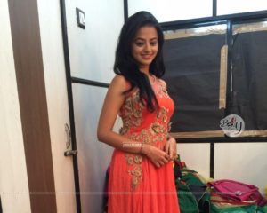 Helly Shah Age, Photos, Biography, Religion, Awards, Family, Height, Birthday, Boyfriend, Net Worth, Education, Instagram, Twitter, Facebook, Wiki, Imdb (12)