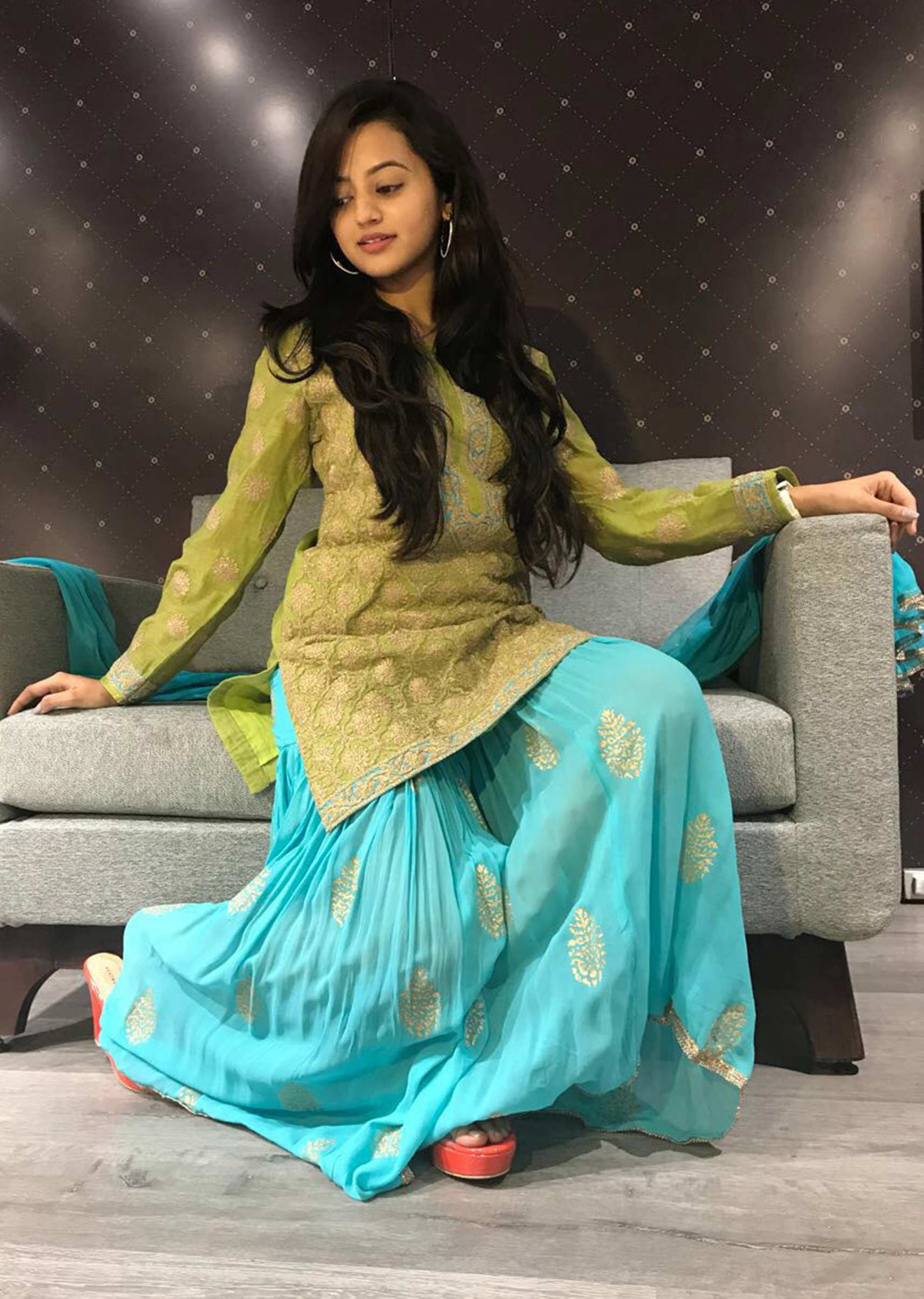 Helly Shah Age, Photos, Biography, Religion, Awards, Family, Height, Birthday, Boyfriend, Net Worth, Education, Instagram, Twitter, Facebook, Wiki, Imdb (14)