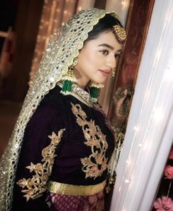 Helly Shah Age, Photos, Biography, Religion, Awards, Family, Height, Birthday, Boyfriend, Net Worth, Education, Instagram, Twitter, Facebook, Wiki, Imdb (22)