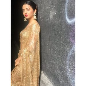 Helly Shah Age, Photos, Biography, Religion, Awards, Family, Height, Birthday, Boyfriend, Net Worth, Education, Instagram, Twitter, Facebook, Wiki, Imdb (25)