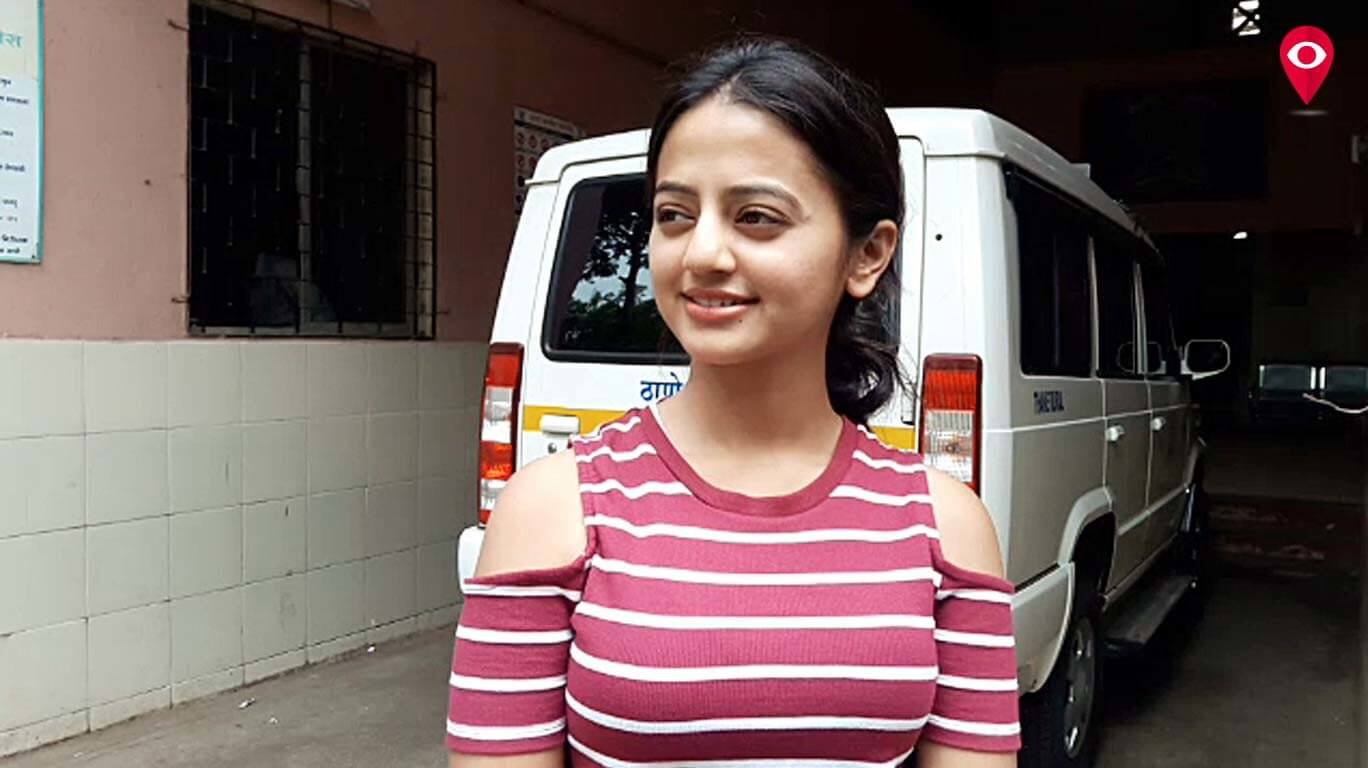 Helly Shah Age, Photos, Biography, Religion, Awards, Family, Height, Birthday, Boyfriend, Net Worth, Education, Instagram, Twitter, Facebook, Wiki, Imdb (30)
