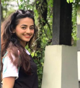 Helly Shah Age, Photos, Biography, Religion, Awards, Family, Height, Birthday, Boyfriend, Net Worth, Education, Instagram, Twitter, Facebook, Wiki, Imdb (33)