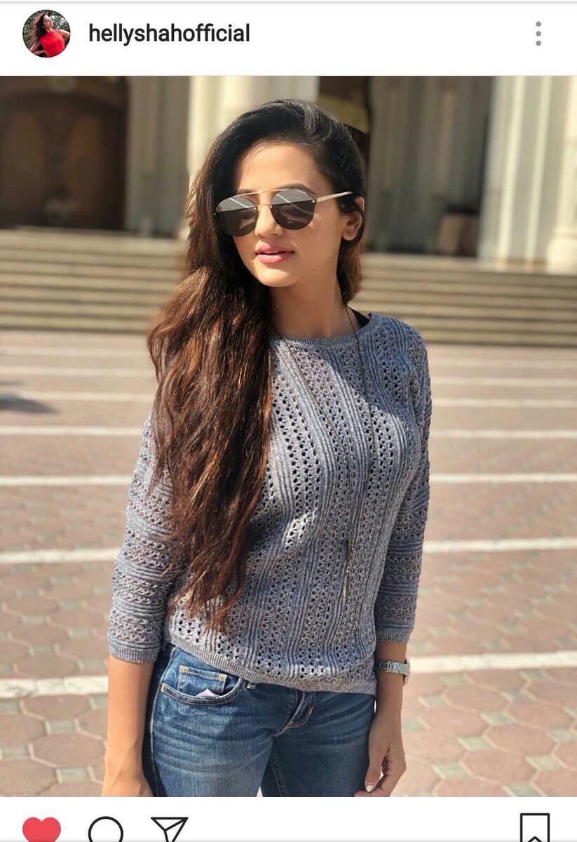 Helly Shah Age, Photos, Biography, Religion, Awards, Family, Height, Birthday, Boyfriend, Net Worth, Education, Instagram, Twitter, Facebook, Wiki, Imdb (45)
