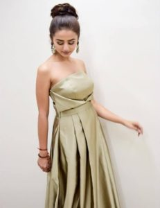Helly Shah Age, Photos, Biography, Religion, Awards, Family, Height, Birthday, Boyfriend, Net Worth, Education, Instagram, Twitter, Facebook, Wiki, Imdb (66)