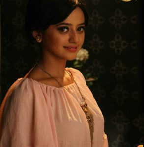Helly Shah Age, Photos, Biography, Religion, Awards, Family, Height, Birthday, Boyfriend, Net Worth, Education, Instagram, Twitter, Facebook, Wiki, Imdb (71)