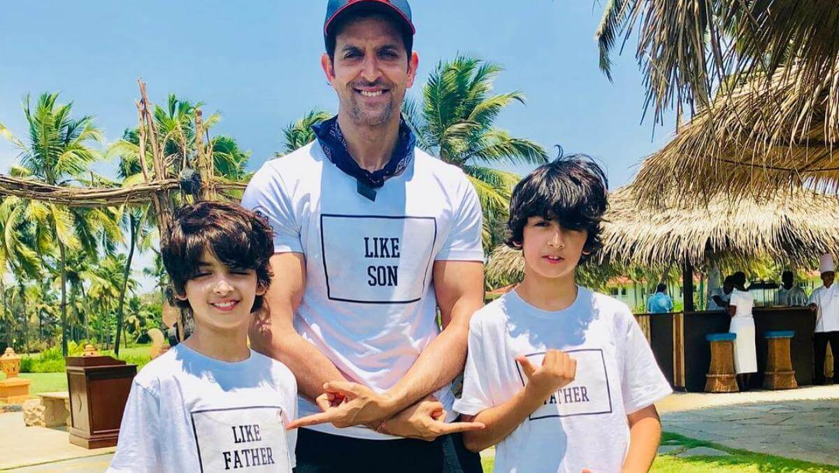 Hrithik Roshan Age, Movie, Height, Wife, Photos(images), Height, News, Dance, Son, Birthday, Family, Biography, Kids, Awards, Education,religion, Instagram, Twitter, Facebook, Wiki, Youtube, (1)  class=
